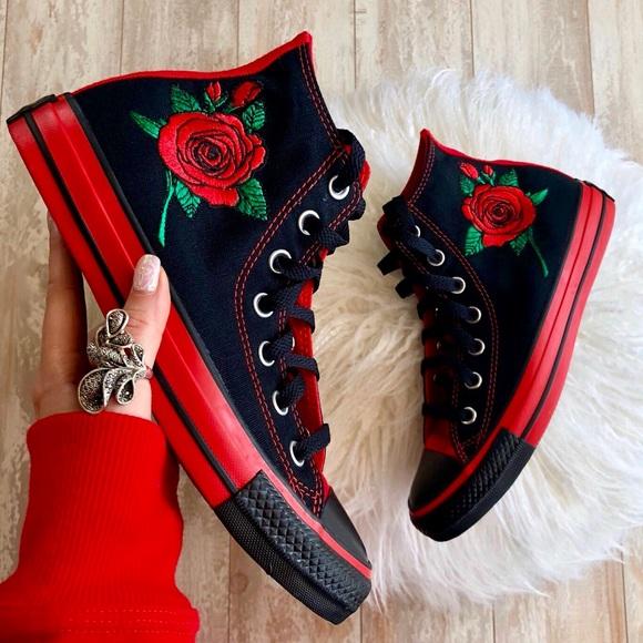 6389f0dc97e7 NWT converse custom floral high tops